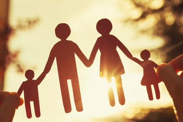 ilustrasi-siluet-keluarga